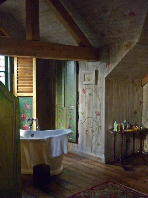 Englische Landvilla:  Badezimmer von Wandmalerei & Oberflächenveredelungen