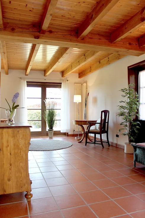 Home Staging Landhaus5:  Flur & Diele von wohnhelden Home Staging