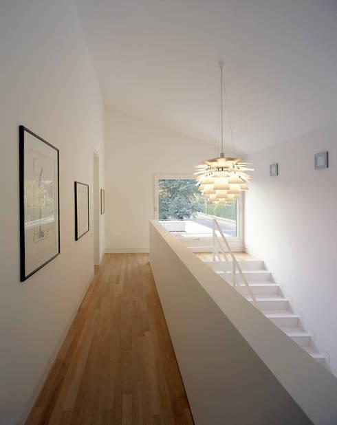 Halle:  Flur & Diele von Architektur & Interior Design