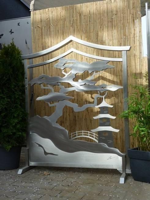 Jardines de estilo  por Edelstahl Atelier Crouse - Stainless Steel Atelier