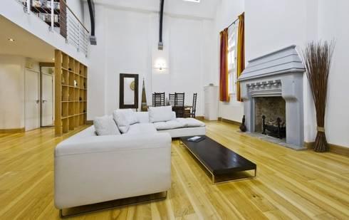 Wohnzimmer von thomas co interior design gmbh homify for Interior design gmbh