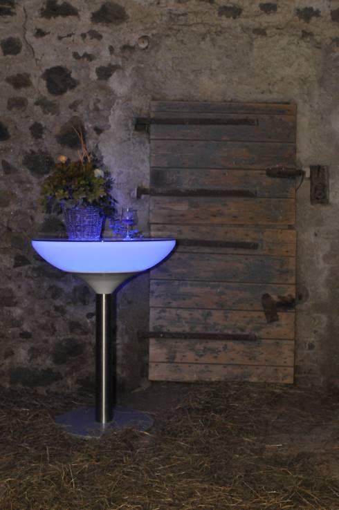 Verschiedene Projekte: ausgefallener Balkon, Veranda & Terrasse von die creative Holzwerkstätte Lunnebach GmbH