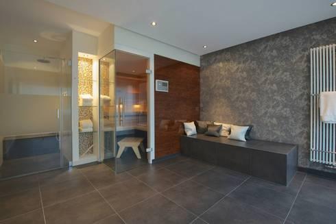 bad mit verbindung zum saunaraum von badkultur berlin. Black Bedroom Furniture Sets. Home Design Ideas
