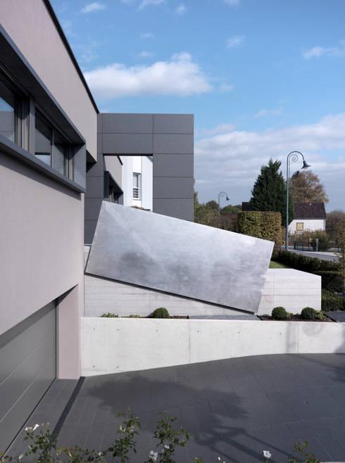 Garage/shed by LEICHT Küchen AG