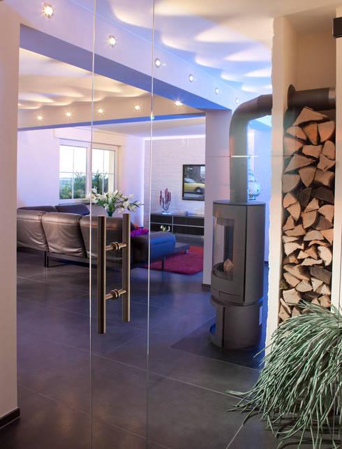 Interior Design by Torsten Mueller: moderne Wohnzimmer von Design by Torsten Müller