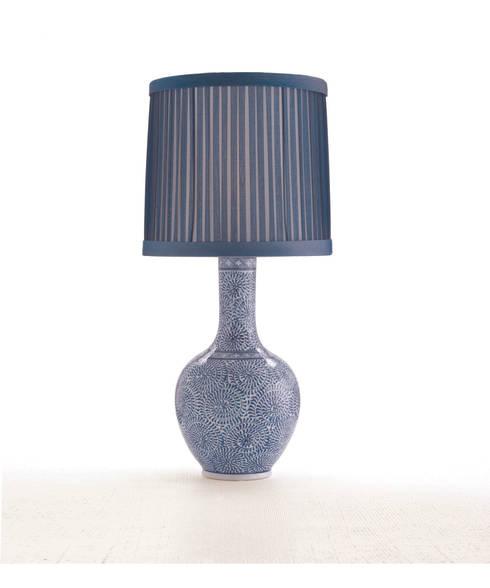 """Arteriors """"Batik Blue"""" Table Lamp 47198-736:  Wohnzimmer von Sweets & Spices Dekoration und Möbel"""