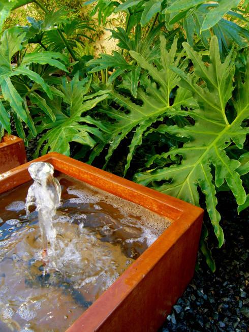 moderner Garten von Simbiosi Estudi