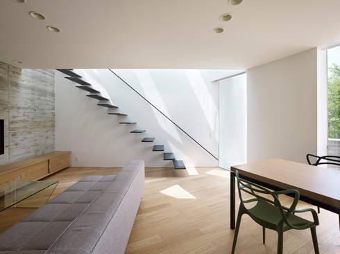 内部: 小泉設計室が手掛けたリビングです。