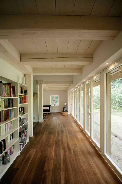 modern Study/office by Architektur- und Innenarchitekturbüro Bernd Lietzke