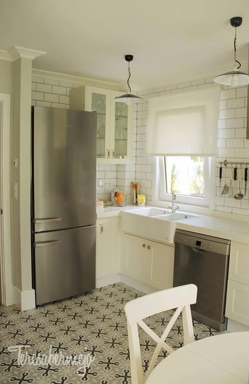 La cocina de José Manuel y Mª José: Cocinas de estilo escandinavo de  Diseñadora de Interiores, Decoradora y Home Stager