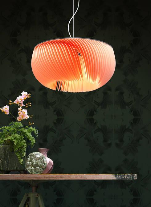 moonjelly flamingo:  Wohnzimmer von limpalux