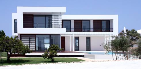 Vivienda en Menorca: Casas de estilo moderno de dom arquitectura