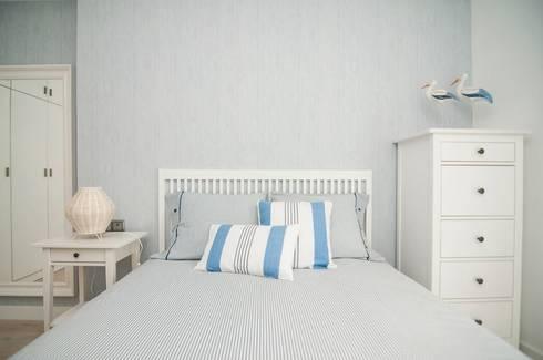 Dormitorio Principal: Dormitorios infantiles de estilo mediterráneo de Marta Sellarès - Interiorista