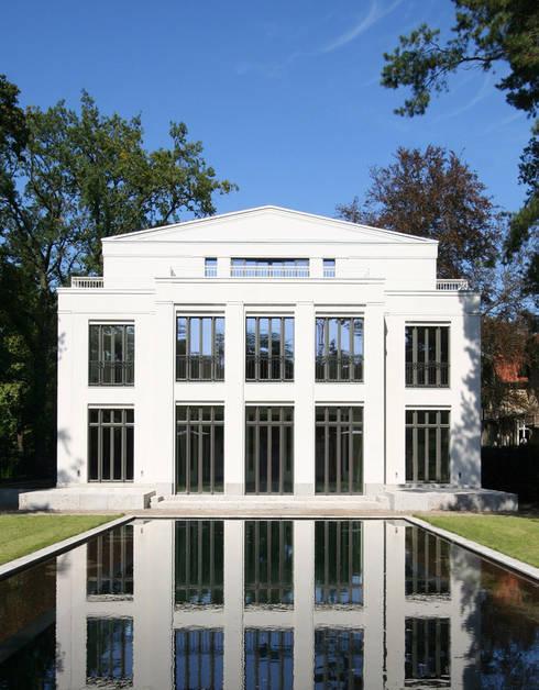 Den himmel im haus residenz mit zentralem lichthof di cg for Mia villa wohnen