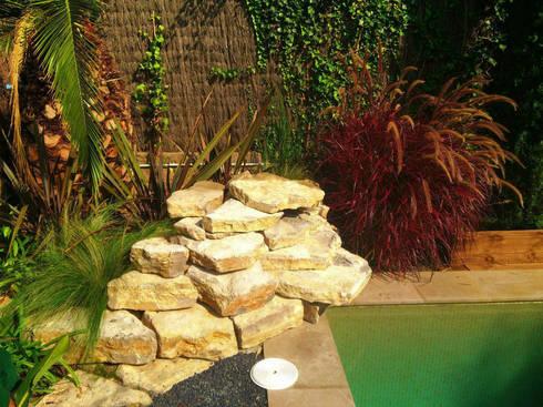 Valldoreix-Cascada: Jardines de estilo mediterráneo de Naturalgreen Jardiners