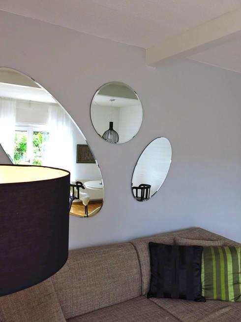Wohnzimmer: moderne Wohnzimmer von Holzer & Friedrich GbR