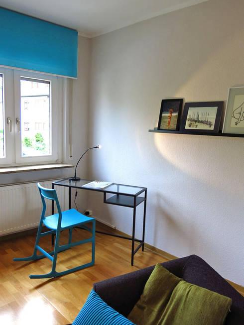 Arbeitszimmer: moderne Wohnzimmer von Holzer & Friedrich GbR
