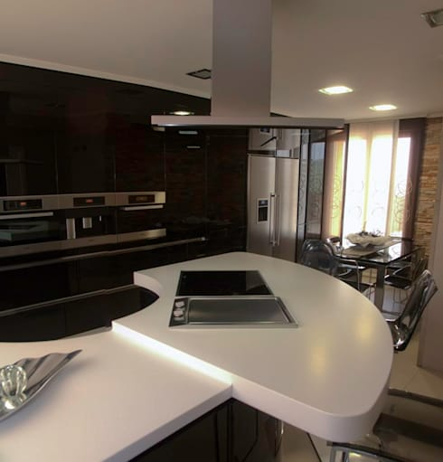 Reforma cocina Volare: Cocinas de estilo moderno de Cocinas Ricardo