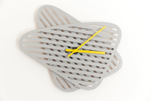 Sophie, orologio da muro dalla forma modificabile : Casa in stile  di Mehdi Pour design studio