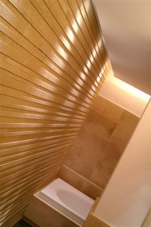E HOUSE / Progetto Arch. F. Bombace: Bagno in stile in stile Mediterraneo di decor srl
