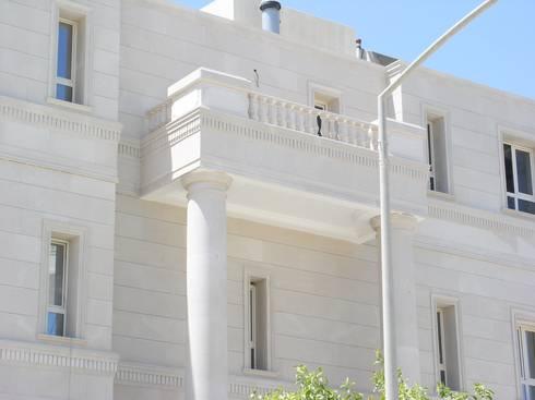 RESIDENZA PRIVATA: Case in stile in stile Mediterraneo di decor srl