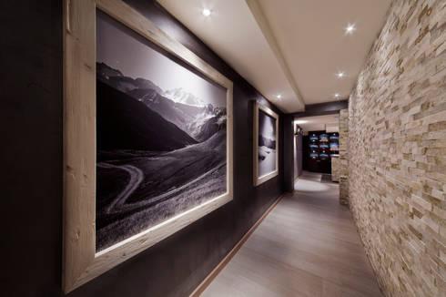 Hotel La Torretta – Spa Il Cirmolo: Spa in stile in stile Moderno di Studio D73