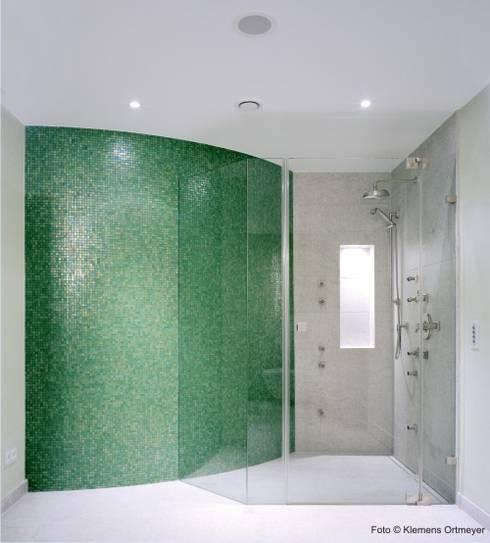 Salle de bains de style  par erdmannbaeder