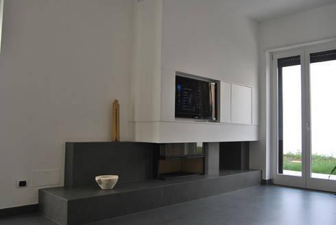 Appartamento Lecce: Soggiorno in stile in stile Moderno di sebastiano canzano architetto