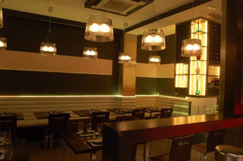 Cafetería Caypi: Comedores de estilo moderno de Arquitectura de Interior