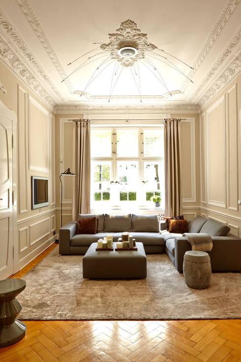 Privatvilla : klassische Wohnzimmer von Julia Rafflenbeul Interior Architecture
