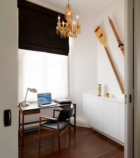 Belsize Park Gardens:  Study/office by Living in Space