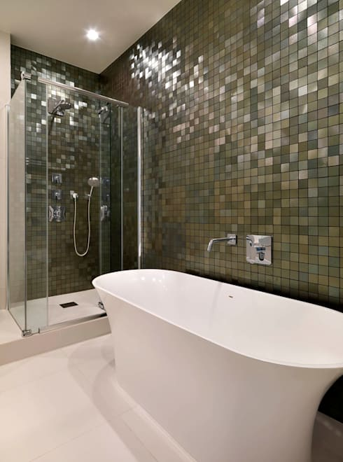 Belsize Park Gardens:  Bathroom by Living in Space