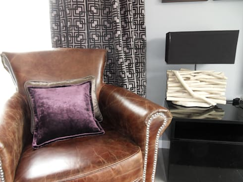 UN HOGAR PARA VIVIR: Salones de estilo moderno de Ismael Blázquez | MTDI ARQUITECTURA E INTERIORISMO