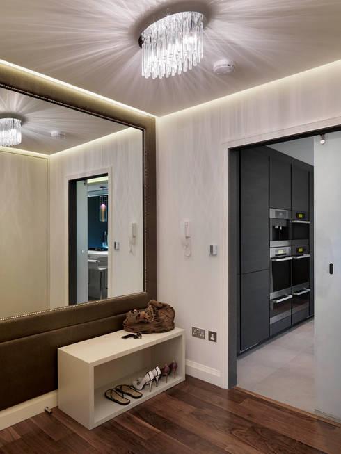 Buckland Crescent:  Corridor & hallway by Living in Space