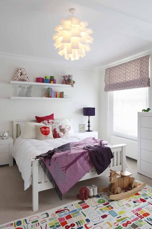 Chalcot Crescent:  Nursery/kid's room by Living in Space