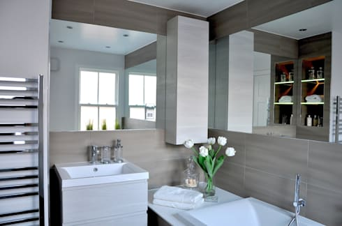 Large Main Bathroom Redesign: classic Bathroom by Studio TO