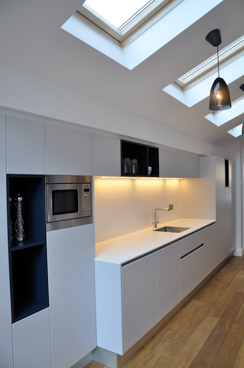 North London Kitchen in New Side/Rear Extension: classic Kitchen by Studio TO