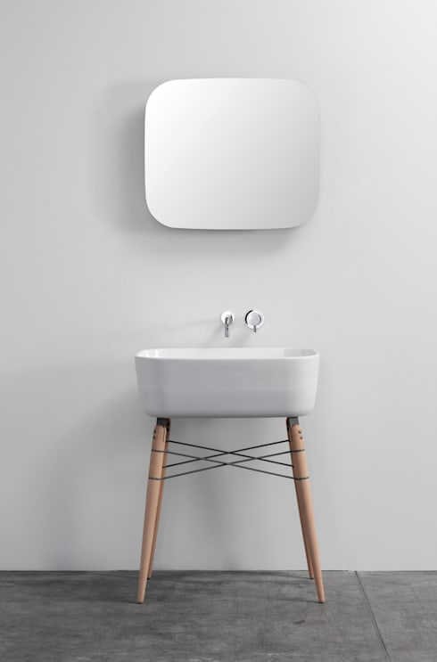 Bathroom by studio michael hilgers