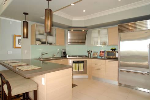 Palma de Malljorca (Home): modern Kitchen by Lewis & Co