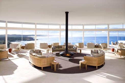 Gyrofocus Suspended Fire: modern Living room by Diligence International Ltd