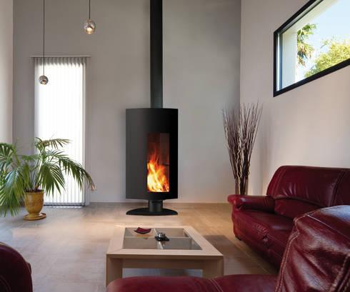 Stofocus Fire: modern Living room by Diligence International Ltd