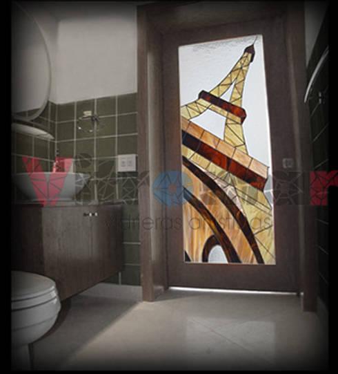 Puerta torre Eiffel:  de estilo  de Vitromar Vidrieras Artísticas