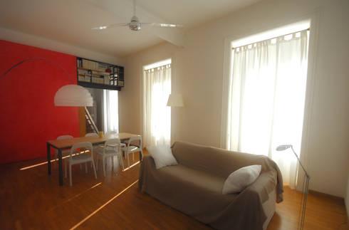 Fotografie di un appartamento privato in Roma: Soggiorno in stile in stile Moderno di LuVi ph