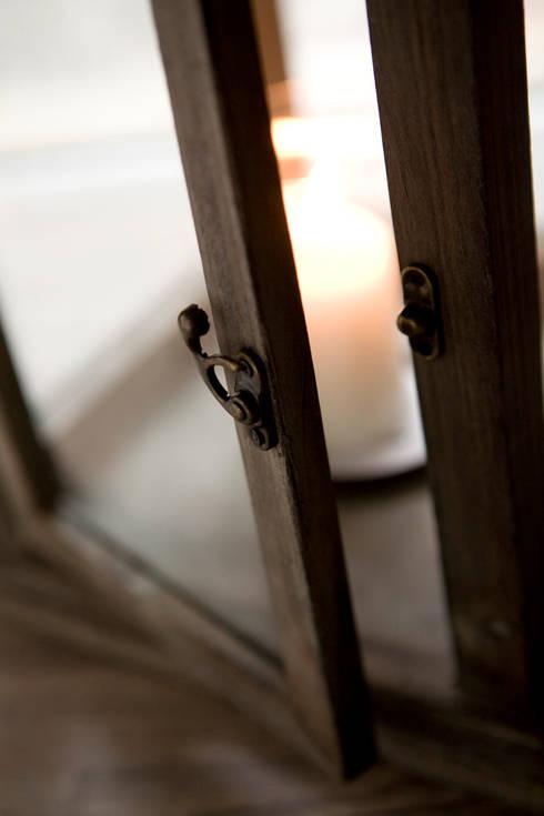 Puertas y ventanas de estilo  por STUDIO PAOLA FAVRETTO SAGL - INTERIOR DESIGNER