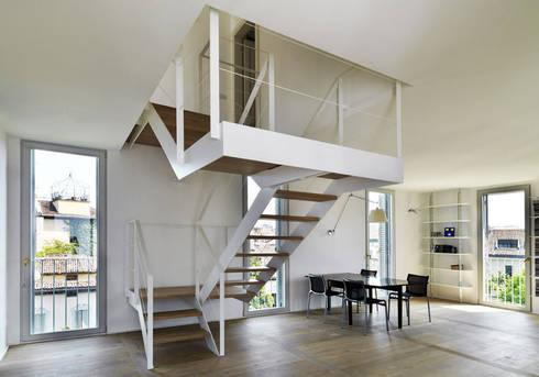 ZENALE DUPLEX  Living room: Soggiorno in stile in stile Moderno di FTA Filippo Taidelli Architetto