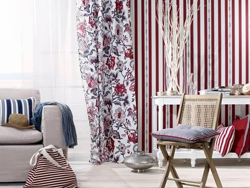 DECORACIÓN TEXTIL: Salones de estilo clásico de Muebles Flores Torreblanca