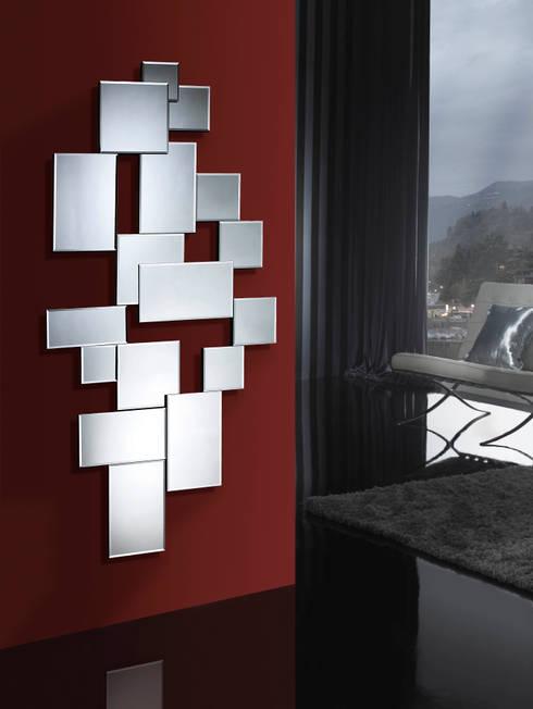 RECIBIDORES Y ESPEJOS: Vestíbulos, pasillos y escaleras de estilo  de Muebles Flores Torreblanca