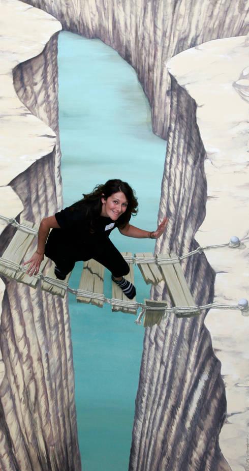 dipinto 3D: Pareti & Pavimenti in stile in stile Moderno di Chiara Spataro