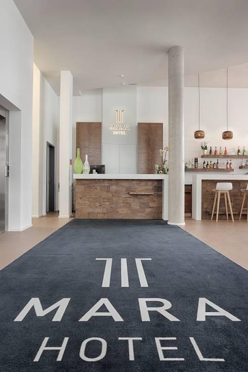hotel mara por tischlerei k chert homify. Black Bedroom Furniture Sets. Home Design Ideas