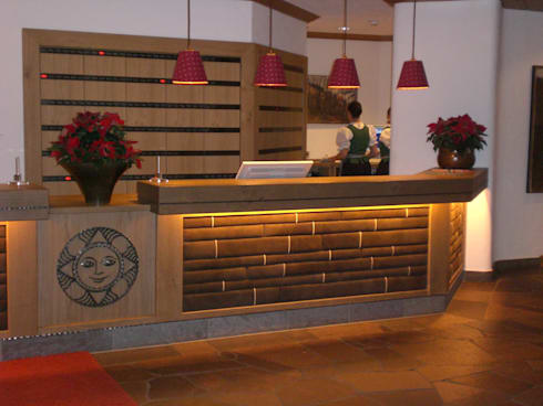 Hotel sonnenalp resort spa golf halle von for Halle innenarchitektur